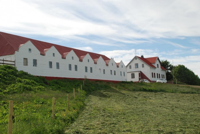 100-helluland-guesthouse